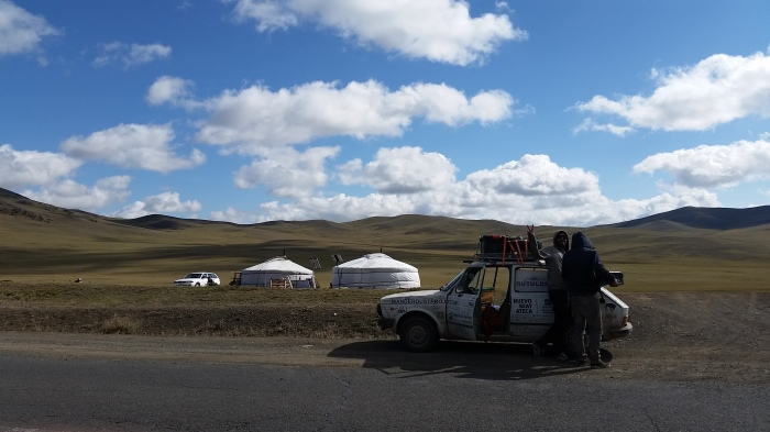 001 Repostando yurta.jpg